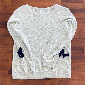 Lightweight Sweater with Ties